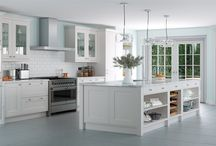 Traditional Kitchen / Traditional does not mean old or out dated, tradition style kitchens offer a warm, inviting space for friends and families.