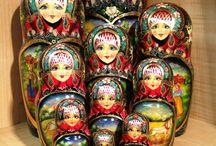 Matroyoska (Russian nesting dolls)