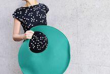 Morrows COLLO shoulder bag / Large circle shaped felt shoulder bag.