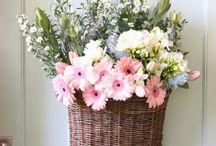 Canastos y flores