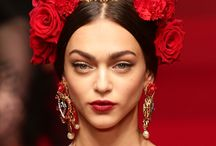 Trending Accessories 2015 / Spring/Summer 2015 Accessories are knocking at the front door … and they are BIG and LOUD! If you're scared you better not open!