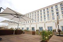 Hôtels Conakry / La ville de Conakry propose une très grande variété d'offres d'hébergement, du plus modeste au plus luxueux, le choix est vaste dans tous les quartiers.