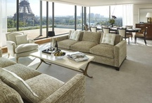 Suites / The 27 opulent suites look out to expansive views of the city, river, garden or Eiffel Tower.