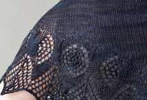 CRESCENT SHAWLS / let's put them all in one basket... knit crescent lace shawls aplenty / by Judit Solans