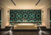 Metallic/Green/Black skim interiors
