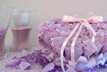 Wedding pillow! / Un cuore per le fedi degli sposi in un soffice cuscino di fiori!