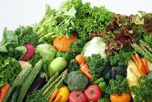 Passare all'alimentazione biologica / il Dr Charles Livingstone, autore del libro Il Fattore Brucia Grasso, sottolinea l'importanza incorporare alla propria alimentazione una buona percentuale di alimenti di origine biologica.
