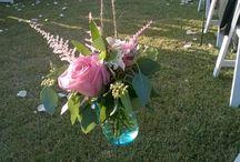 Wedding Flower Arrangements / This features a variety of wedding flower arrangements used at weddings at 1899 Farmhouse outdoor wedding venue. http://1899farmhouse.com/