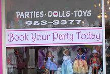 Adrienne's Dollhouse Boutique / by Sue Hooge