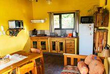 Interiores de Cabañas Luna Lunera / Las cabañas están totalmente equipadas y con una decoración cálida.