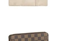 designer purses outlet / by Ricardo White