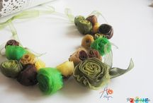 Handmade necklaces / Esti eleganta, extravaganta sau pur si simplu adori simplitatea? Pe http://handmadezone.ro/bijuterii/coliere gasesti o gama variata de coliere pe care sa le asortezi la orice tinuta.