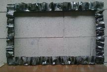 cornice / cornice in ferro e lamiera zincata lavorata a caldo con finitura trasparente. Ideale come specchiera. Dimensioni cm. 70x45 Ideale per ogni tipo di ambiente. vendibile su facebook ferro matto €