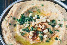 Food:1: Dips: Hummus & Sauce