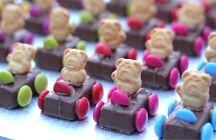 itti bitti colours my favourite is chocolate / by Daryl Moody