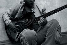 Bass player / Bass
