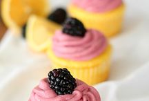 Baking - Cupcakes / by Stacey Evans