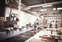 How we make it / Abychom mohli zaručit kvalitu vyráběného nábytku, nakupujeme vstupní surovinu od renomovaných dodavatelů. Dřeviny DUB a BUK pochází z českých a slovenských lesů. Dřevina ZIRBE je těžena v rakouských Alpách ve výšce nad 1600 m. K práci se dřevem přistupujeme s láskou a úctou k přírodě.