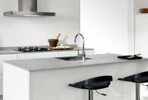 Moderne keukens / Houdt u van strakke lijnen, moderne materialen en een gladde afwerking? http://www.dbkeukens.nl/keukens/stijlen/moderne-keukens