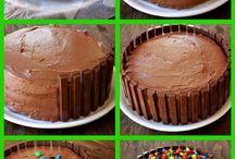 Kit kat bday cakes