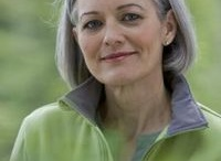 Going gray  / Giving myself a year to transition from dyed to natural hair / by Pati Steiner