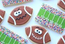 Football Cookies / Show your team support with decorated cookies!