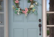 Making a Grand Entrance / Changing the color of your front door can be a simple yet dramatic transformation!