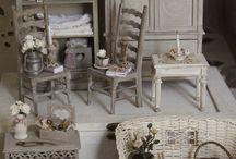 Miniatyrer / Inventar til dukkehus
