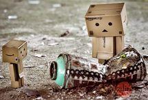 Danboard / Hier dreht es sich um Danboard, auch bekannt als Danbo oder Amazon Kartonmännchen und seinen kleinen Freund Danboard Mini.