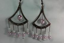Pendientes largos color bronce, con imitación de perlas