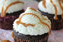 Cakes and cupcakes / by Allysa Gittinger-Metzger