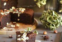 torta nocciole mandorle  e cioccolato
