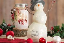 Berry & Bright by Pavilion / This collection of festive snowmen features an adorable smile and carrot nose a hint of glitter to make them shine. Their twig arm and berry accents add to the whimsy feel. These snowmen feature Chickadees, Cardinals and polar bears as there winter friends.