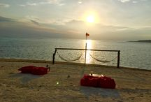 Gili Air / Gili Air island, located just 20 minutes away from Lombok, is well-known for snorkeling and scuba diving. Tourists also visit it to relax, party and swim. --> https://goo.gl/lP8tGX