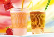 Frisse drankjes / Met warmte is het belangrijk om voldoende vocht binnen te krijgen. Natuurlijk door genoeg te drinken, maar wist je dat fruit ook veel vocht in zich heeft? En daarnaast zijn al die heerlijke zomervruchten natuurlijk heel gezond en lekker licht verteerbaar.