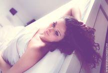 Photographies de boudoir (lingerie/nu) / Photographies prises chez la personne, en intérieur, mettant en valeur la beauté féminine