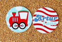 Festas Transportes / Carrinhos / Papelaria produzida pela Tuty com o tema Transportes / Carrinhos.