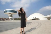 """Il mondo è ingiusto (Oscar Niemeyer) / Oscar Niemeyer ha trovato il tempo per consegnarci un'ultima, grande riflessione sulla vita. Una filosofia che lui, protagonista assoluto di quasi un secolo di architettura, ha distillato e trasfuso nel suo lavoro, da sempre orientato a migliorare la società, perché """"l'architettura è solo un pretesto. Importante è la vita, importante è l'uomo, questo strano animale che possiede anima e sentimento, e fame di giustizia e bellezza."""" http://www.librimondadori.it/libri/il-mondo-e-ingiusto"""