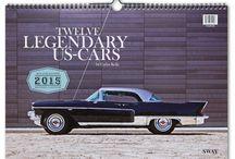 """TWELVE LEGENDARY US-CARS by CARLOS KELLA / In diesem Jahr publizierten wir erstmalig einen Carlos Kella Monatskalender mit US-Cars """"pur"""". NO GIRLS INSIDE! ;-) In einer streng limitierten Auflage von 100 Stück ist jeder Kalender nummeriert und vom Künstler handsigniert."""