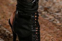 Sapatos fem e sexys