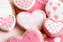Valentine Cookies / Cute, romantic or even whimsical cookies to bake for your Valentine.