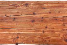 Čajový stolek / Čajový stolek na terasu ze starých trámů. Díky jejich křivosti je lepší použít na stůl sklo. Bez něj se mi ale líbí víc.. Rozměry 1550x550x330