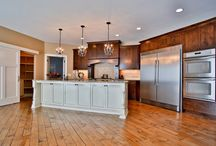 Beautiful Kitchens / Plan your dream kitchen with inspiration from our spacious and high quality kistchens. Contact us today to plan your dream home!