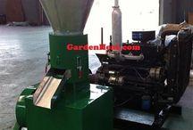 Wood Pellet mill machine / Make wood pellets with the 4 cylinder diesel wood pellet mill.