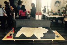 SALA PALENQUE / Nuestro diseño de Sala Palenque busca simplificar la sala tradicional. Sus volados laterales, proponen la idea de que las mesas esquineras no son necesarias. El mismo sillón extiende su mesa.  Así, casa usuario podrá personalizar sus espacios.