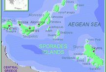 1. E//Grecia//Sporades Islands / Islas Esporadas Las islas griegas Esporadas son: Skiathos, Escopelos, Alonisos, Skiros.
