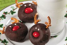 Christmas Treats and Recipes / Every wanted to find just the best Christmas Treats and Christmas recipes. Check out all these delicious desserts all Christmas and Holiday centered.  Still Blonde after all these Years and her friends bring you the best Recipes for the Christmas season. Holiday Board