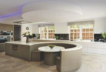 Ultimate Kitchens / Looks and ideas to make your kitchen sing with beauty and organization.