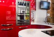 Kuchnie w kolorze czerwonym