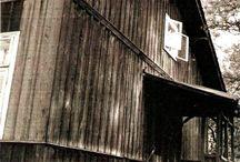 Dwór Nowosielskich wybudowany w Parku brwinowskim przy  Dworskiej ok.1760. / Obecny Park Miejski w Brwinowie, Województwo mazowieckie. Dwór Ekonoma Dóbr Brwinowskich z rodziny Nowosielskich widok od Ul. Dworskiej.